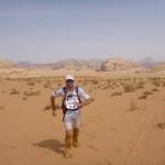 Sprinting through the sand - Camo